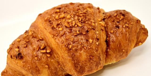 čokoládový croissant.jpg
