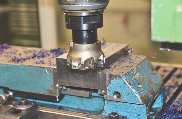 obrábění kovů na frézce technologie